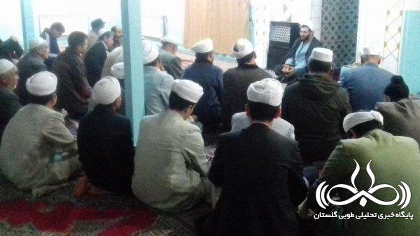 ترویج آموزههای دینی در جامعه، راهگشای مشکلات و چراغ راه مردم است