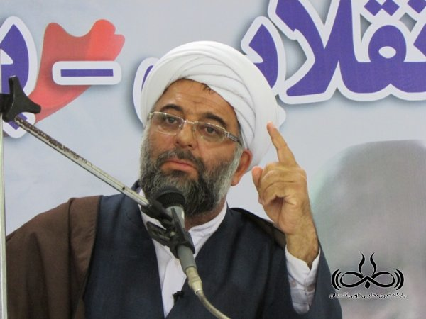 وظیفه مسؤولان بعد از انتخابات خلق حماسه اقتصادی است/ توجه مسؤولان به فرامین قرآن و رهبری باشد نه لبخند دشمن