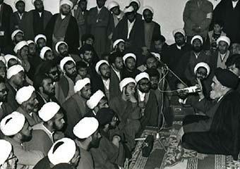 نقش روحانیت مبارز در اطلاع رسانی و آگاهی بخشی و پیروزی انقلاب اسلامی